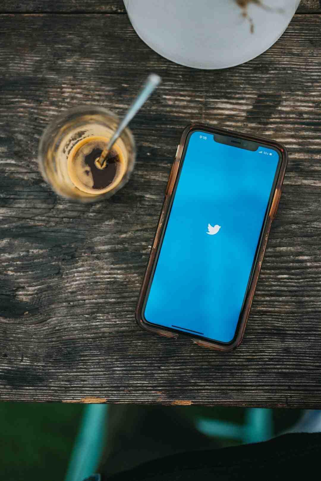 Comment reconnaitre un compte twitter officiel