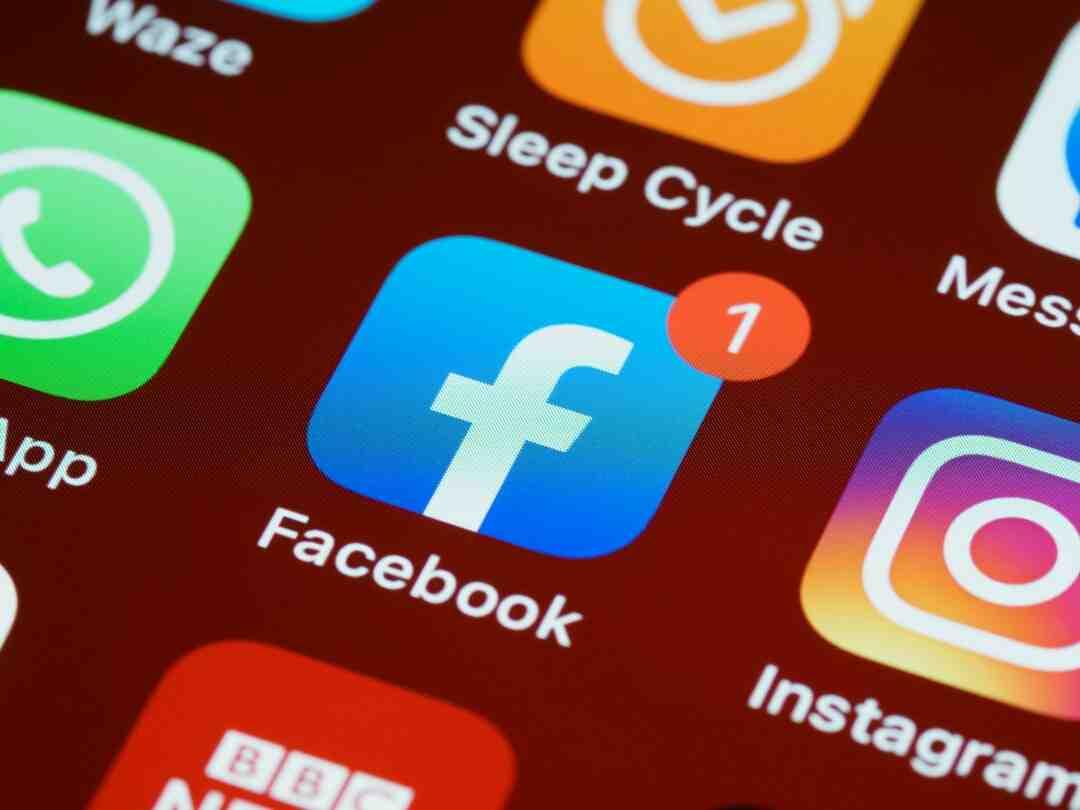 Facebook comment inviter à aimer une page